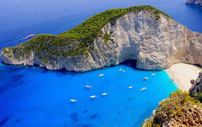 Мандри продовжуються: найбільш автентичні грецькі острови ще попереду