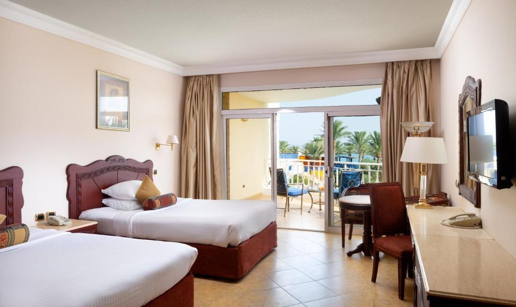 sentido-palm-royale-soma-bay-resort-5