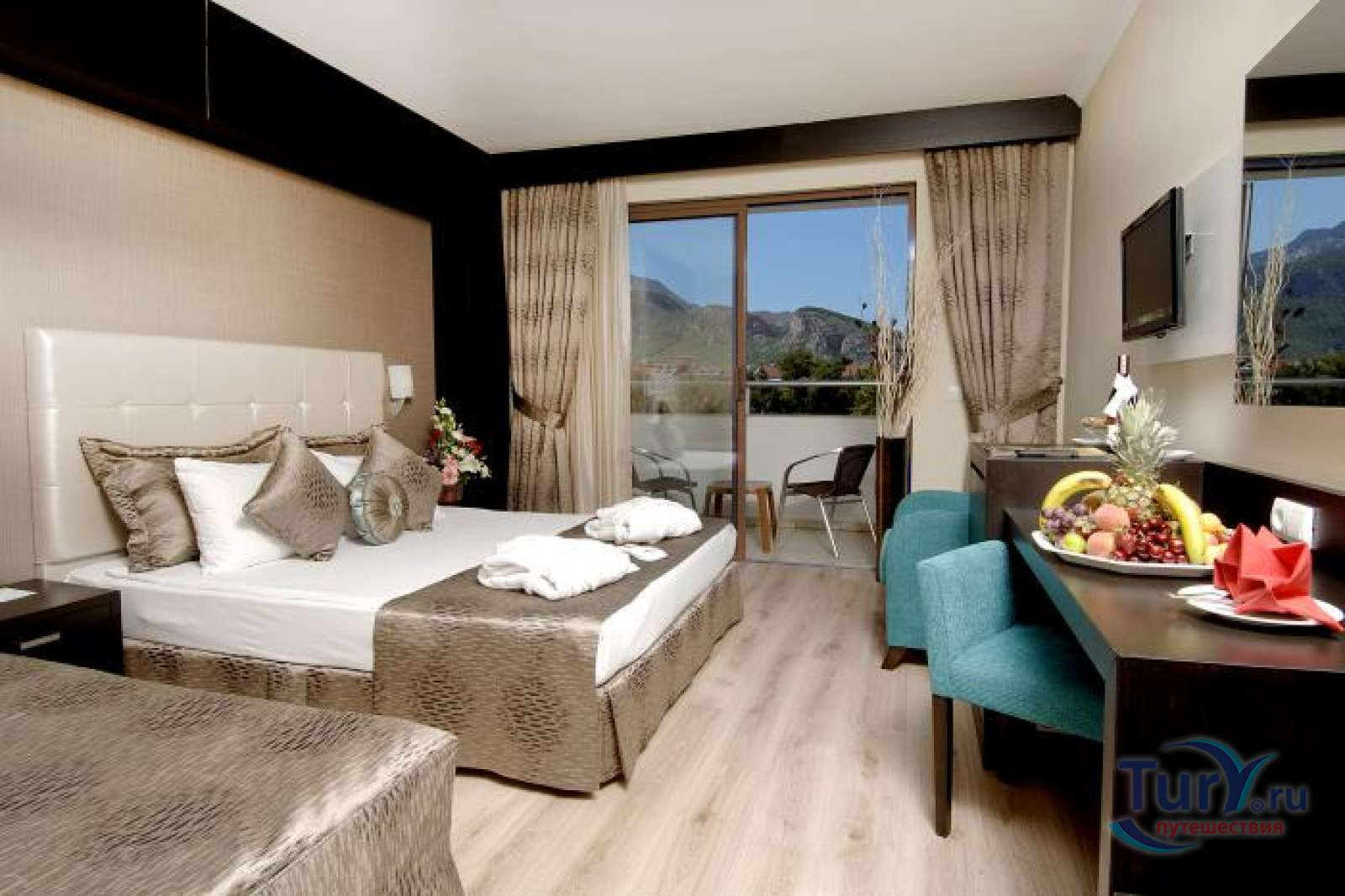 catamaran-resort-hotel-5