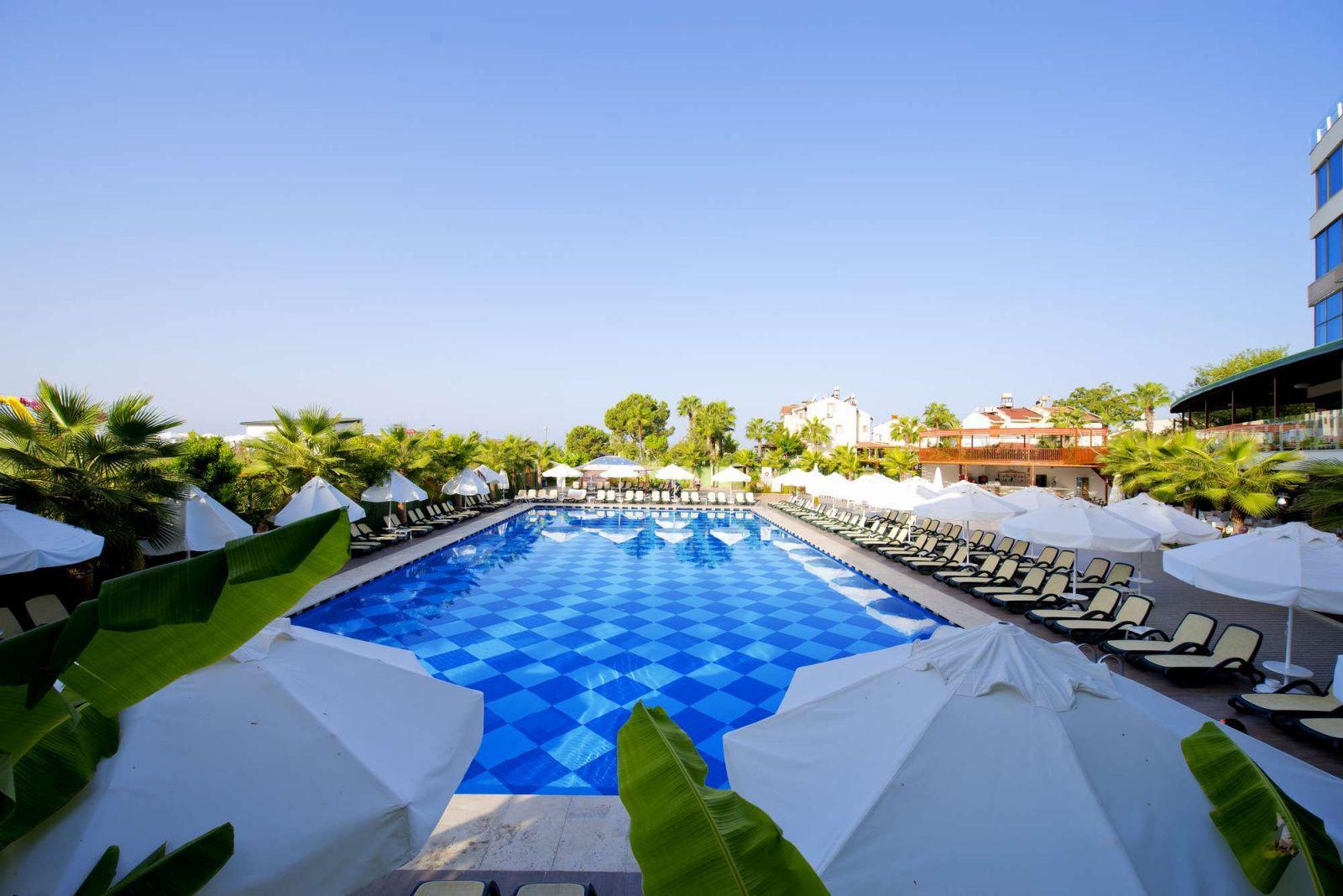 raymar-resort-aqua-5