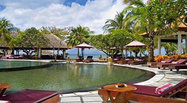 aloha-oceanfront-suite-resort