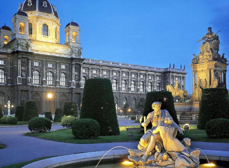 Будапешт + Відень на день Св. Валентина! Всього 105 Є!