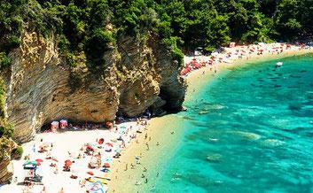 Чорногорії пляжів з один