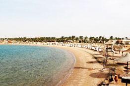 Бей курорту Макаді пляж
