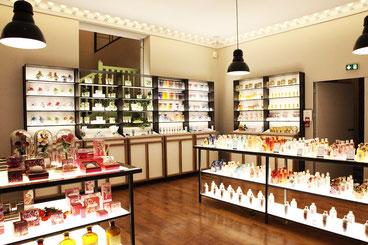 Парижі в магазин парфумерний