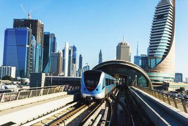 Дубаї трнаспорт громадський в
