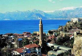 Тури в Анталію: Що може запропонувати курорт, крім елітних пляжів та моря?