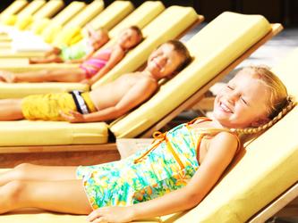 Діти на відпочинку в Будві